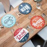 Kép 6/6 - Retro Asztalterítő - Üdítős kupak mintázat